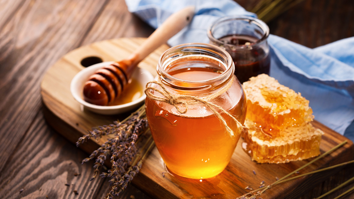 6-surprising-health-benefits-of-honey-136426474967702601-180416092019
